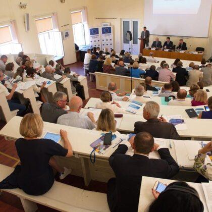 Державна служба України: традиції та інновації